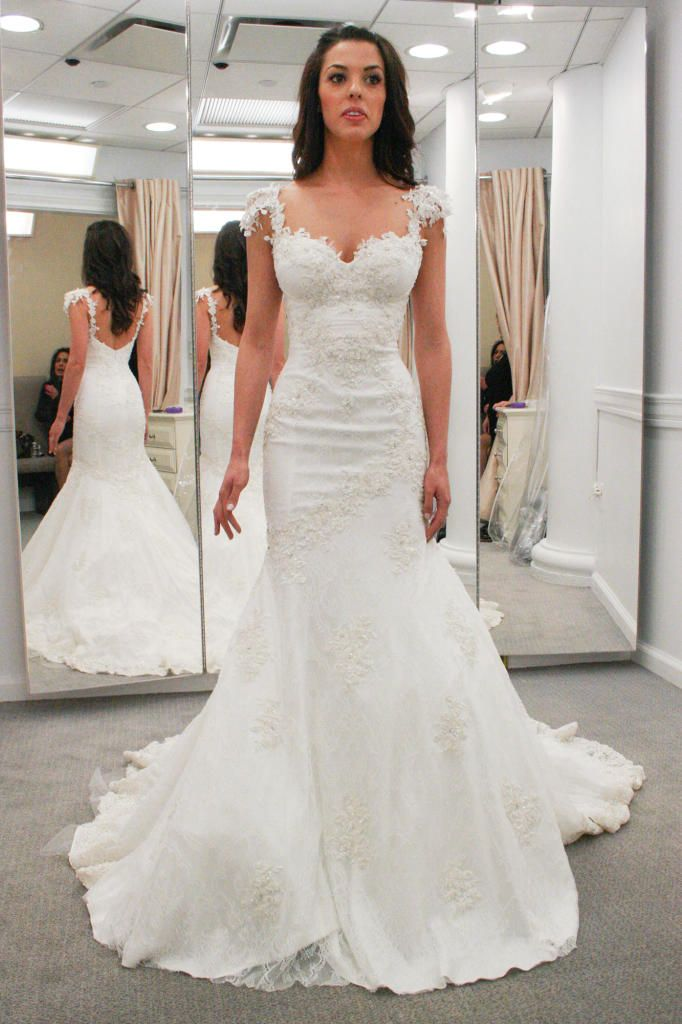 Elizabeth chose this stunning sheath at Kleinfeld. Hover over the hearts to see all the details about the designer, fabric and more.