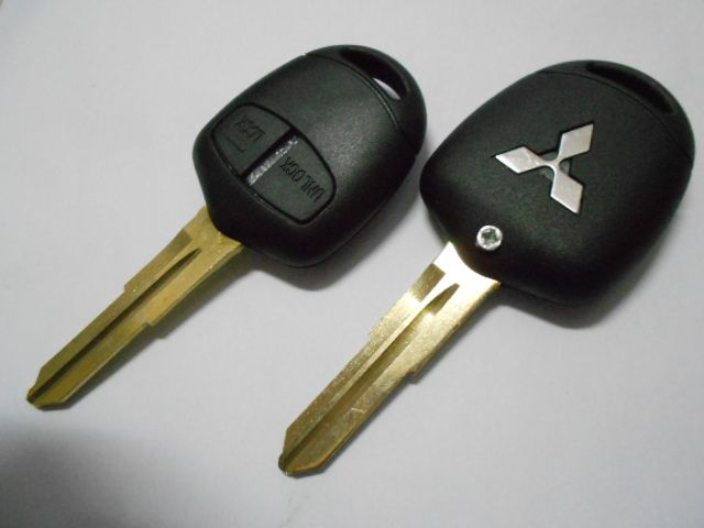Replacement 2 Buttons ⑦ Car Key Blank Remote Case Fob Right ⓪ Blade For MITSUBISHI Lancer Evolution Grandis Outlander Key ShellReplacement 2 Buttons Car Key Blank Remote Case Fob Right Blade For MITSUBISHI Lancer Evolution Grandis Outlander Key Shell