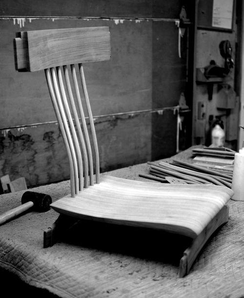 En construction: chaise design LOIC / Under construction: design dining chair LOIC