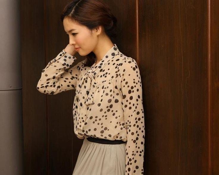 Романтическая блузка в горошек