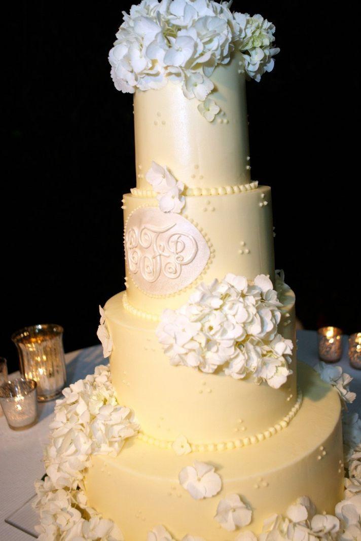 17 Unique Ways to Display Your Wedding Monogram | OneWed