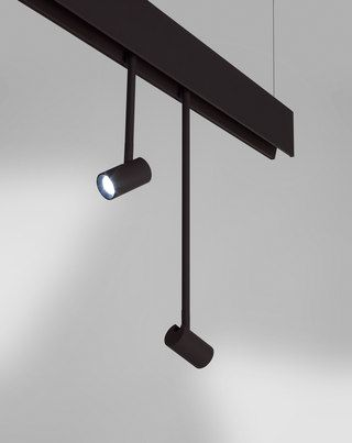 Fluorescent lighting system featuring seamless, continuous light (G5) which can also accommodate high luminosity LED modules with reflectors. Anvil System offers accessories to configure the product s…