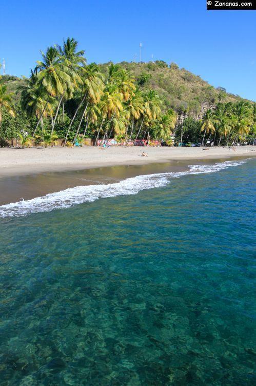 La plage du bourg. Carbet - Martinique.