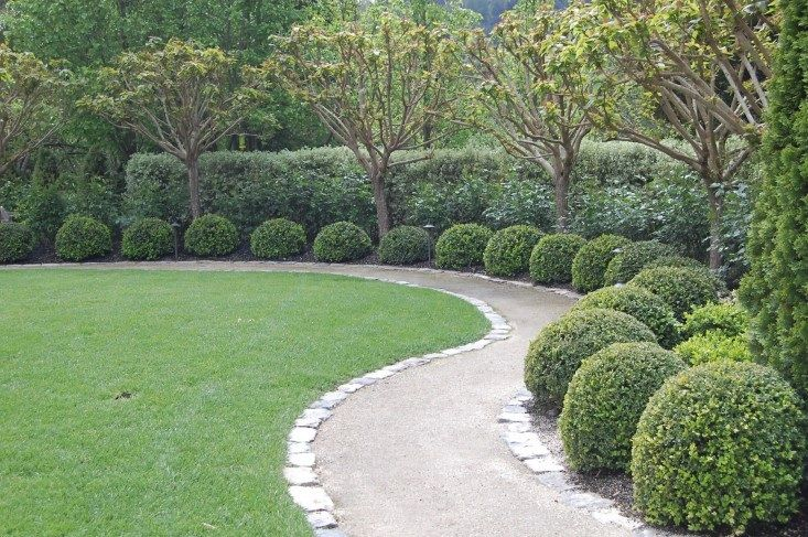 Path of gravel and edging