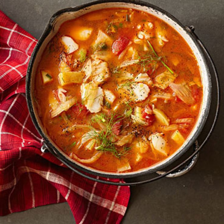 Stew Recipes. Ladle up one of our steamy stews tonight. Thick and hearty, these recipes are full of filling ingredients like lentils, beans and chunky vegetables that'll keep you satisfied all night. The only side you'll need: A loaf of crusty bread.