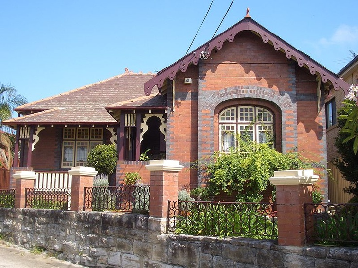 Federation cottage with Art Nouveau influence - Bardwell Valley