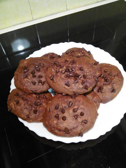 La meilleure recette de COOKIES MOELLEUX SANS BEURRE, SANS SUCRE AJOUTE ET SANS COMPLEXE! L'essayer, c'est l'adopter! 0.0/5 (0 votes), 2 Commentaires. Ingrédients: Avec : - 75 g de farine - 50 g de cacao - 25 g de son d'avoine - 50 g de yaourt - 25 g de pépites de chocolat - 1 œuf - 1 cs d'arôme vanille - 1 cs de miel - 1/2 sachet de levure chimique - 1 pincée de sel