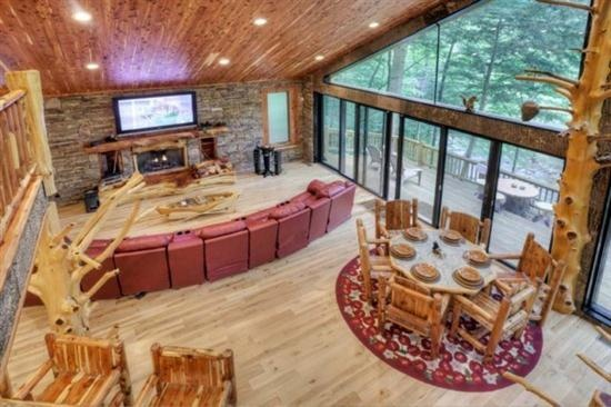 Blue sky cabin rentals whitewater lodge ellijay ga just for Ellijay cabins for rent by owner