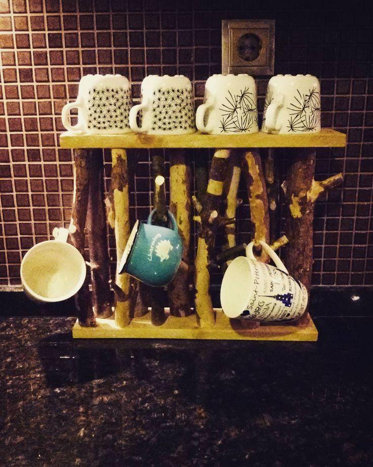 Dogal agac dallarindan bardaklik  www.ratolye.com #ratolye #tictactasarim @ratolyecom #woodworking #woodwork #wall #decorative #retrodesign #ahsap #ahsaptasarim #ahsapdekor #retro #ahsapatolyesi #ahsaptasarim #agacurunleri #wooden #workshop #interior #interiordesign #woodporn #instawood #bardaklik #askilik #agacaskilik #mutfak