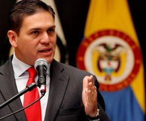 ES UN TEMA  QUE TENEMOS QUE CONSIDERAR TODOS LOS COLOMBIANOS ESTE CUENTO DE CUBA  HAY QUE TERMINARLO NO SE PUEDE  SEGUIR TRABÁNDOLE CUENTO A LA FARC...