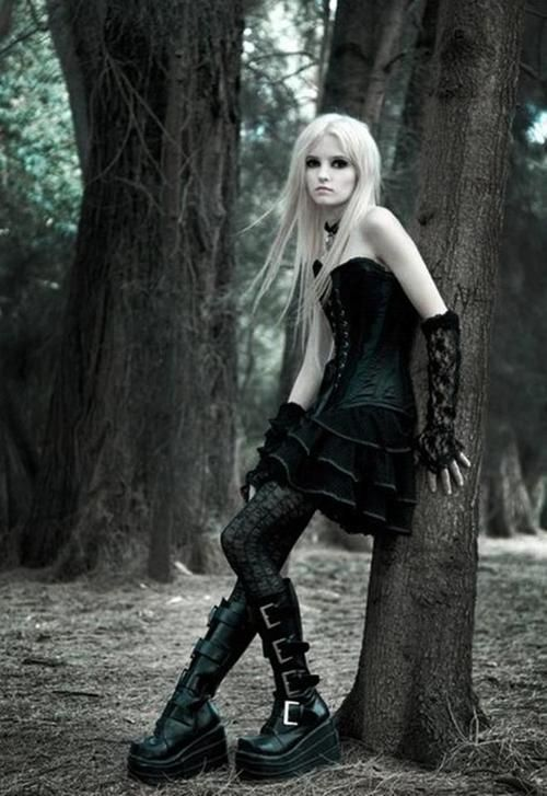 Love the simple bustier and lifts on this blonde haired Goth girl  ~ Looks exactly like a character I created in high school for my first novel!~
