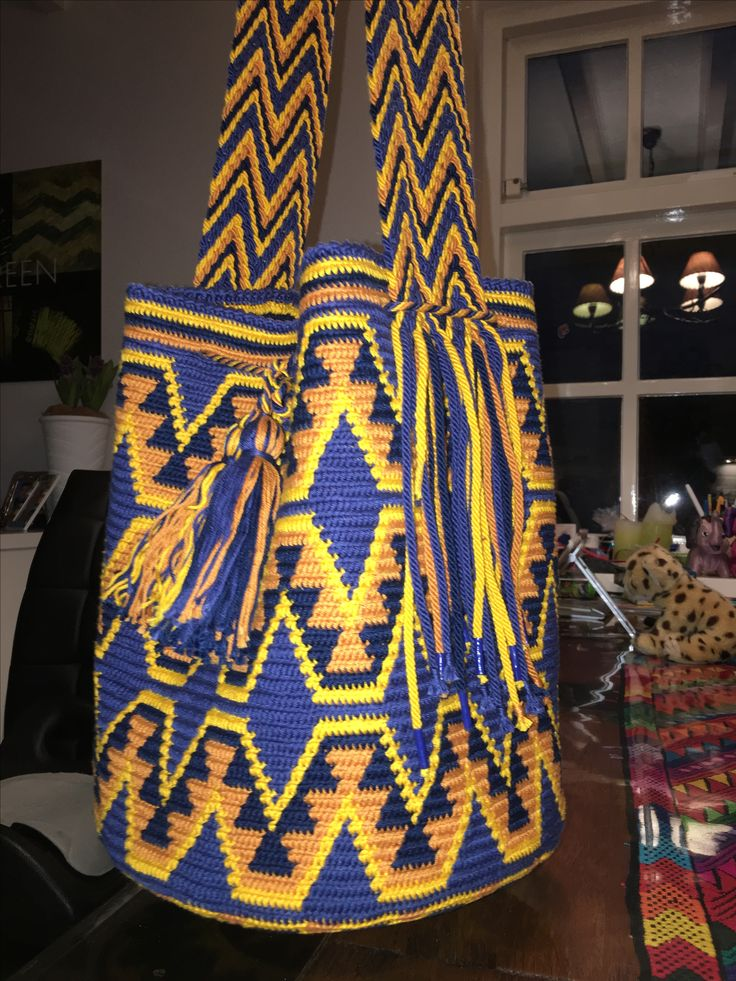 Mochila Wayuu. Diseño original de las tribus Wayuu. Tejido por AlmaDesigns@