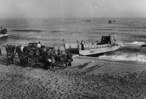 American troops landing in Algeria on 9 November 1942 during Operation Torch, the code name for the Allied invasion of North Africa.