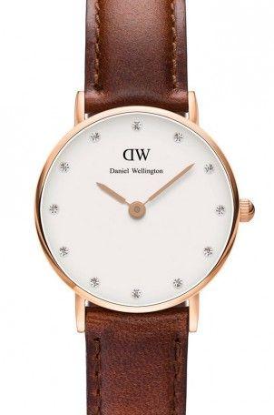 Classy St Mawes, Bracelet Cuir Marron - Daniel Wellington : Montre Daniel Wellington femme, parfait pour un look tendance et vintage, montre pour petit poignet avec un bracelet en cuir marron