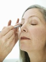 Eyelid Surgery: How to Conceal Drooping Eyelids Without Surgery