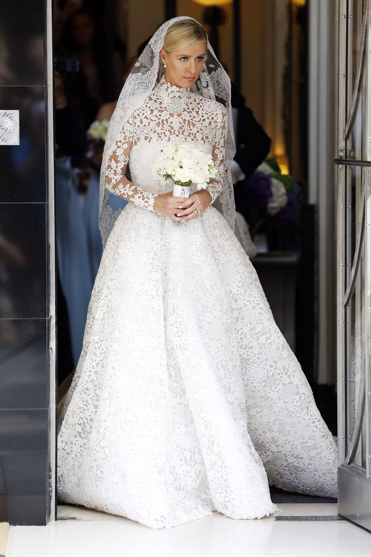 Nicky Hilton gets married wearing Valentino Couture ...