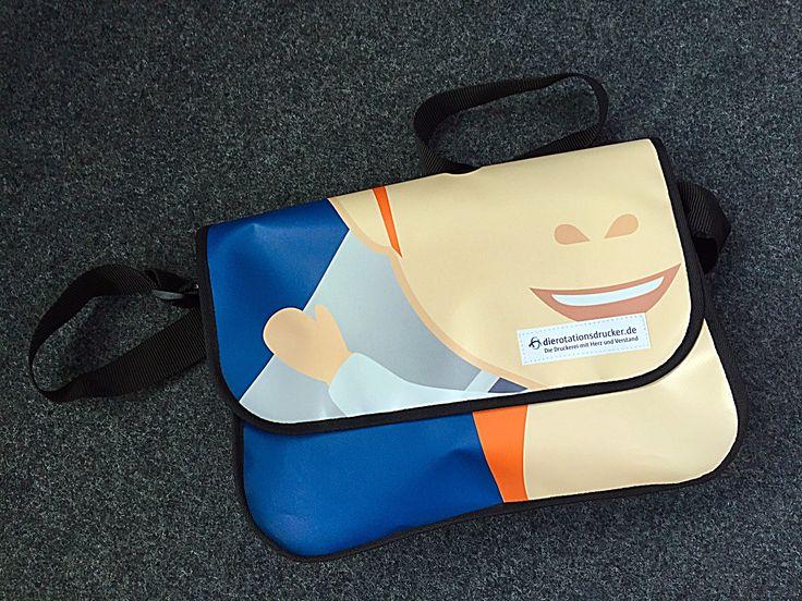 Aus alten Werbebannern werden Taschen - nicht wegwerfen, sondern weiternutzen. Mit Unterstützung von www.comebags.de @comebags #Planentaschen #Recycling