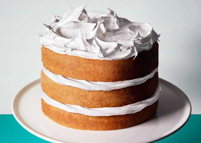 4 tips for keeping that cake fresh (if you don't eat it all in one sitting, that is).