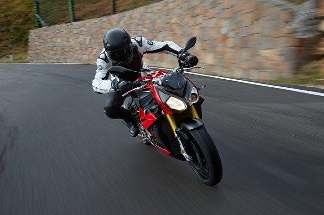 2014 BOTY Test: BMW S1000 R   BMW Motorcycles of Tampa Bay Florida