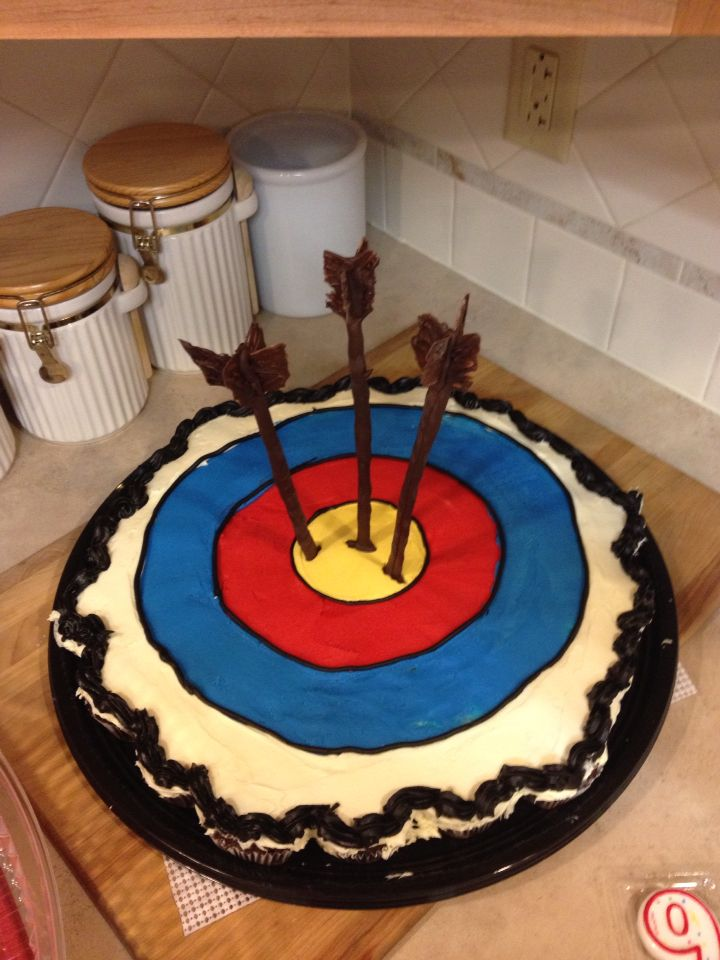 Bullseye Archery Cupcake Cake W Chocolate Arrows Moffett