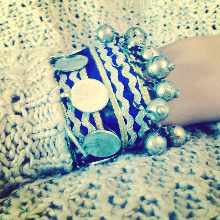 Details ❤️ Add a #boho touch to your #Autumn outfit  Shop handmade #ethnic bracelets at http://be-snazzy.com/banjara-bracelets
