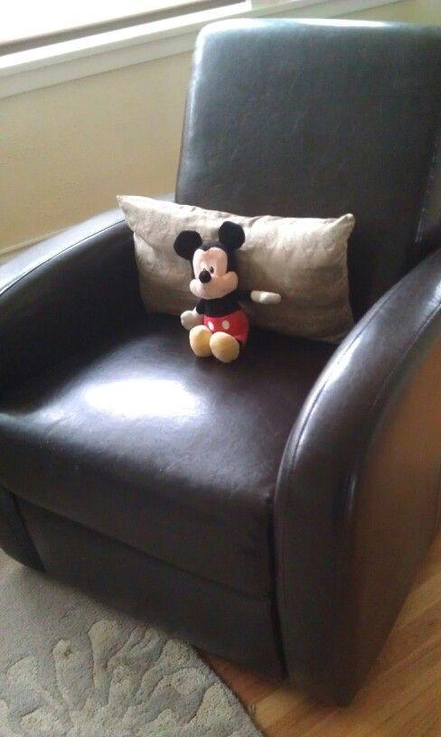 Chillin' Mickey
