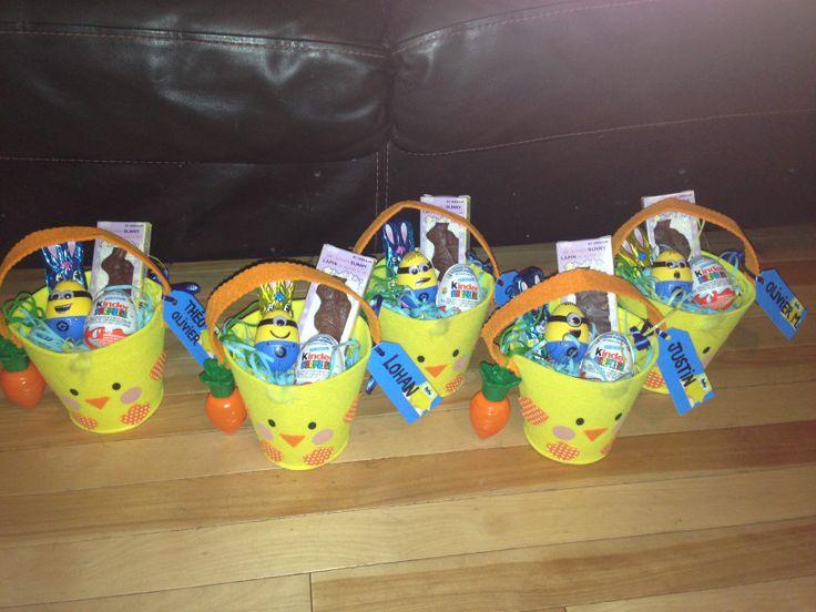 Paniers surprise de Pâques pour les amis de la garderie où va mon fils. Mes minions seront enfin distribués aux enfants!
