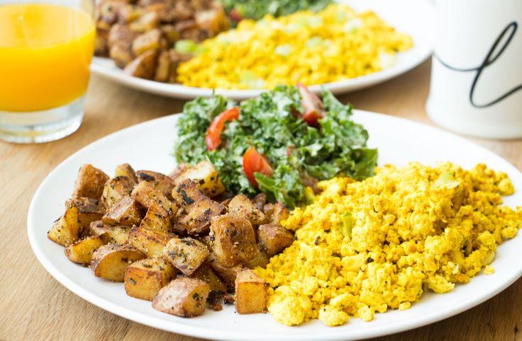 the perfect tofu scramble #Vegan   RECIPE on hotforfoodblog.com