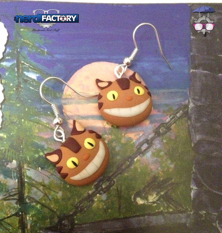 Nekobus earrings, hand-made!