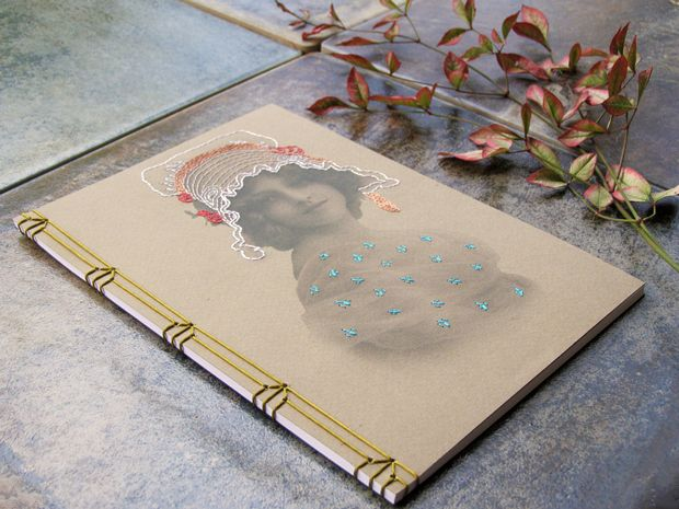 Fabulous Cat Papers, cuadernos bordados a mano.