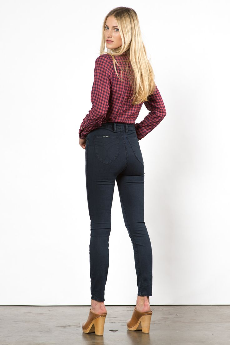 The Eastcoast jean is Australian brand Rolla's most iconic fit. A high rise of 11 inches with classic skinny leg profile, it gives the sleekest lines and most flattering fit. Without the traditional m