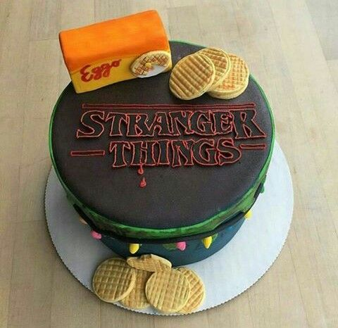 Really want a stranger things cake for my bday. Probably gonna make one myself