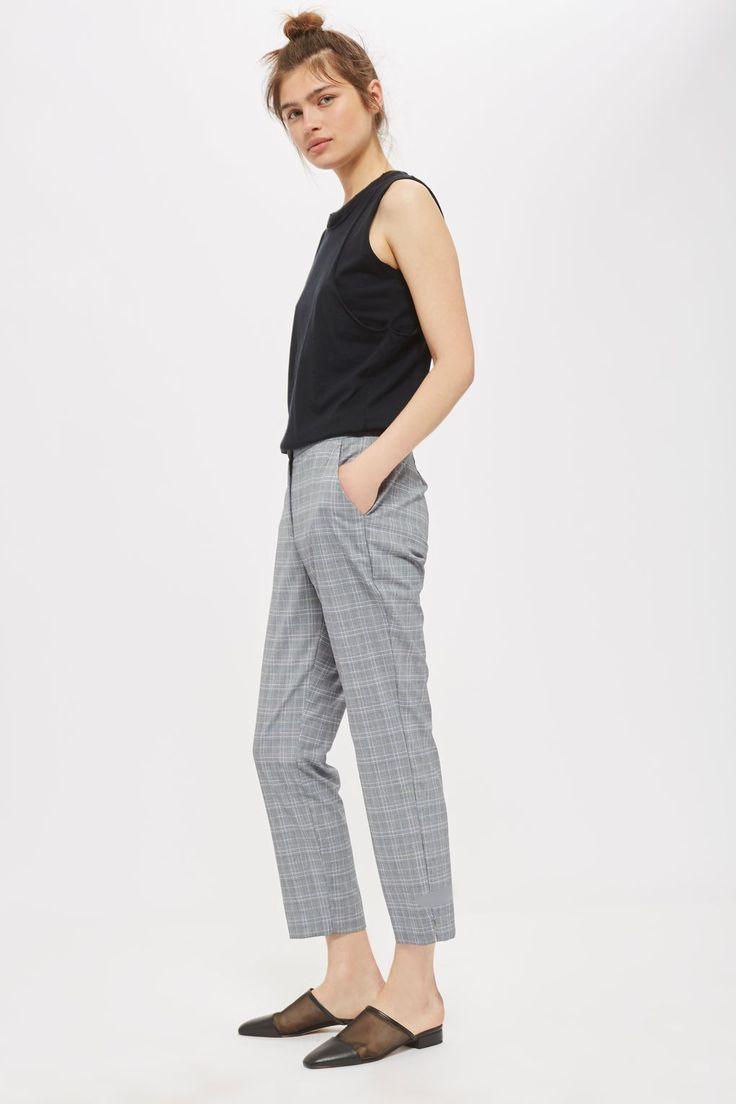 Topshop - Petite - Check Cigarette Trousers in grey and navy blue plaid | trendy work pants in polyester, viscose, and elastane.