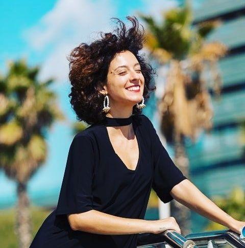 Cierra los ojos y piensa: cómo crees que será tu vida dentro de 10 años? Dónde estarás cuál será tu trabajo? . Créate en tu mente esa vida ahora imaginaria y vístete en ella. . Ese es el camino que tienes que comenzar a trazar ahora mismo  . . . . . #imaginate #create #reinventate #tupuedes #yesyoucan #crecimientopersonal #asesoradeimagen #teacompaño #tuviaje #look #outfit #sueña #creeenti #cree #believe #bedifferent #tumisma #quierete