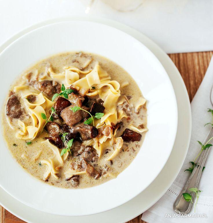 Ta zupa grzybowa momentalnie znika z talerza. Smak, któremu nie sposób się oprzeć! – Ania Starmach