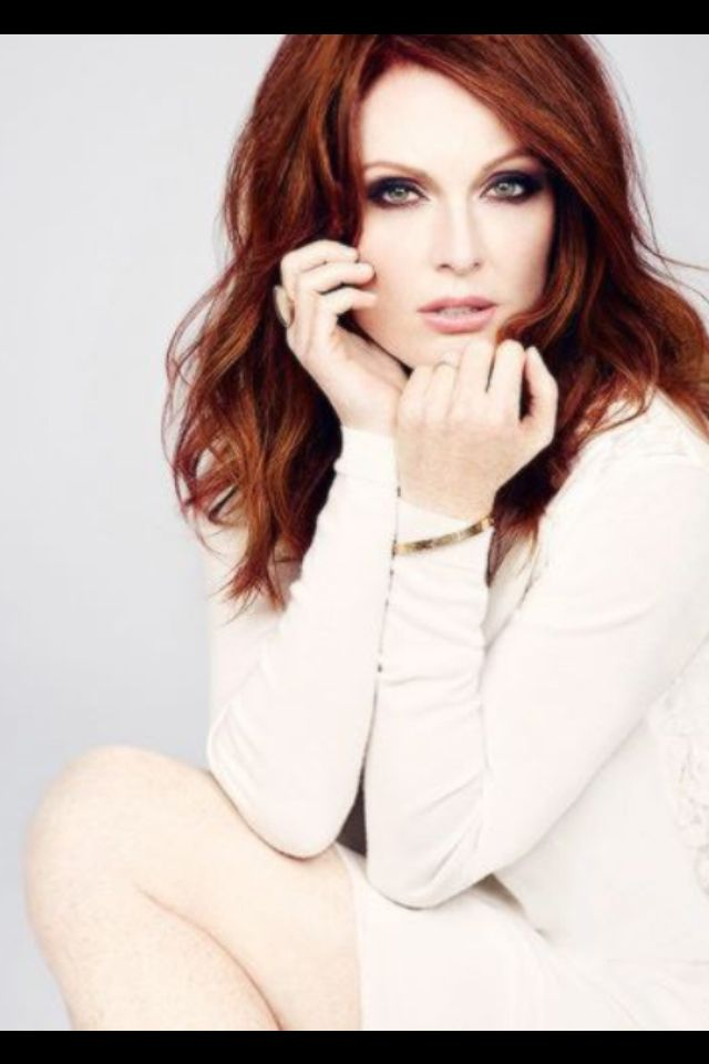 Julianne Moore             ..................................................        also repinned at sharingclub.tumblr.com