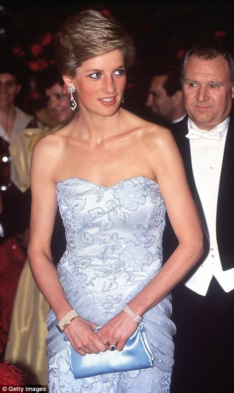 Diana, pictured at the Savoy hotel in 1989, wearing her pearl bracelet