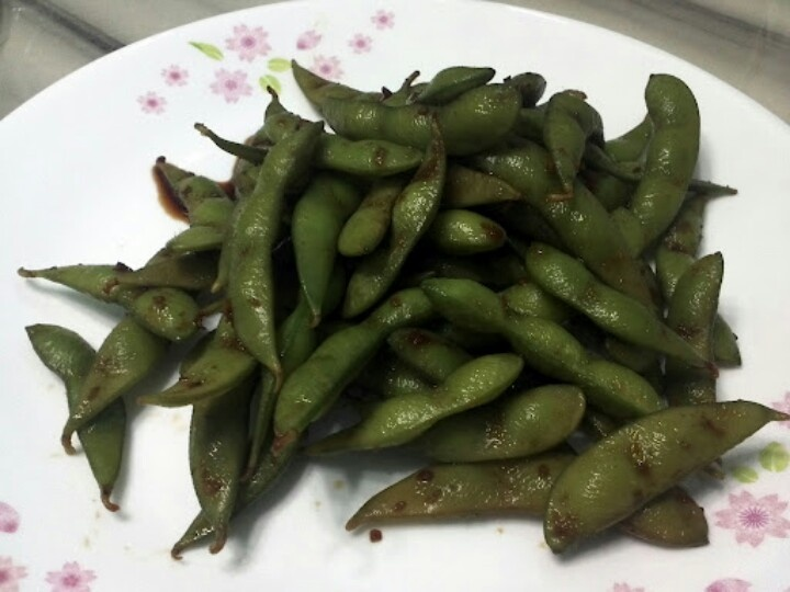 how to eat edamame with soy sauce