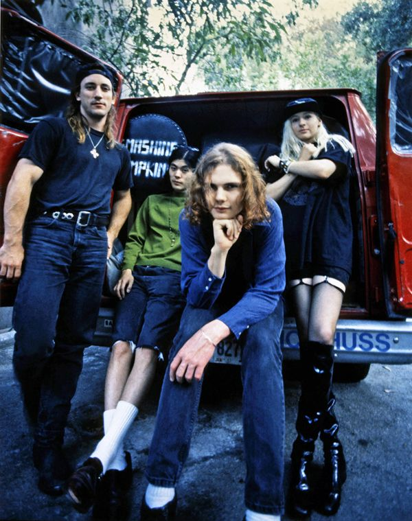 THE SMASHING PUMPKINS PICTURES ARCHIVE :: BYSTARLIGHT.ORG ::