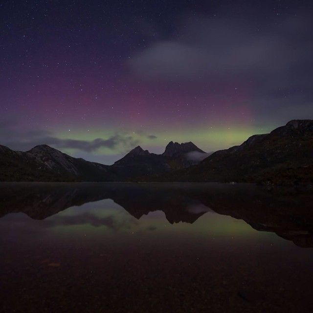 Autumn is the perfect time of year to head to Cradle Mountain to see the Aurora Australis, or the Southern Lights. This snap was taken by our very talented Park Manager Mark Walsh last year, if you want to see it for yourself your best chance is over the next few months! #discoveryparkscradlemountain #discoveryparks #discovertas #cradlemtn #tasmania #auroraaustralis #southernlights #seeaustralia #exploreaustralia #australia