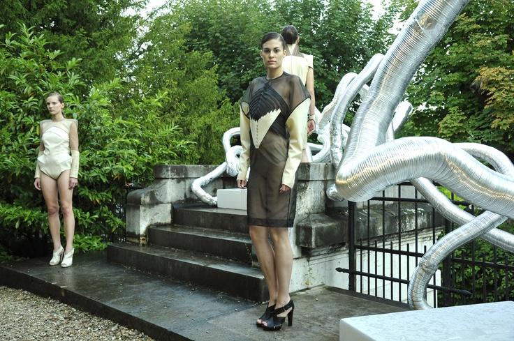« L'Ève future » de Lysmina Attou  © Photo Dominique Maitre  Mode & Sens / Défilé Design vêtement 2012