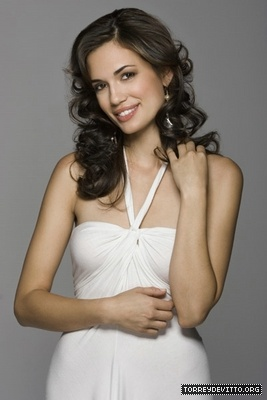 Torrey DeVitto...this chick is so craayyy