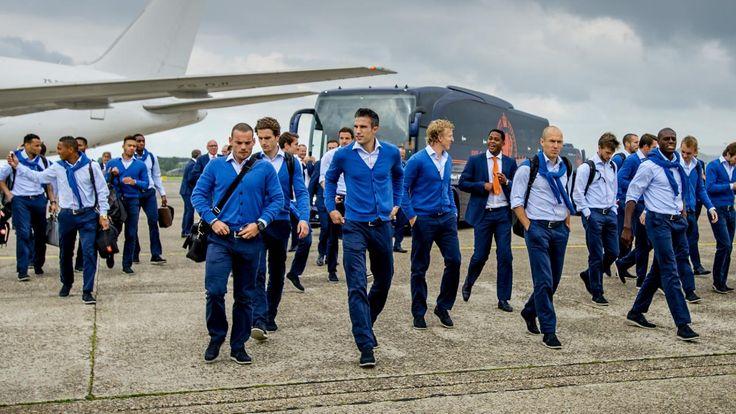 Warm onthaal voor Oranje bij terugkeer in Nederland