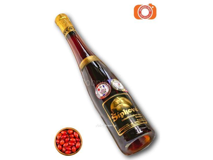 nejcennější šípkové víno v ČR. Víno ze sušených šípků.