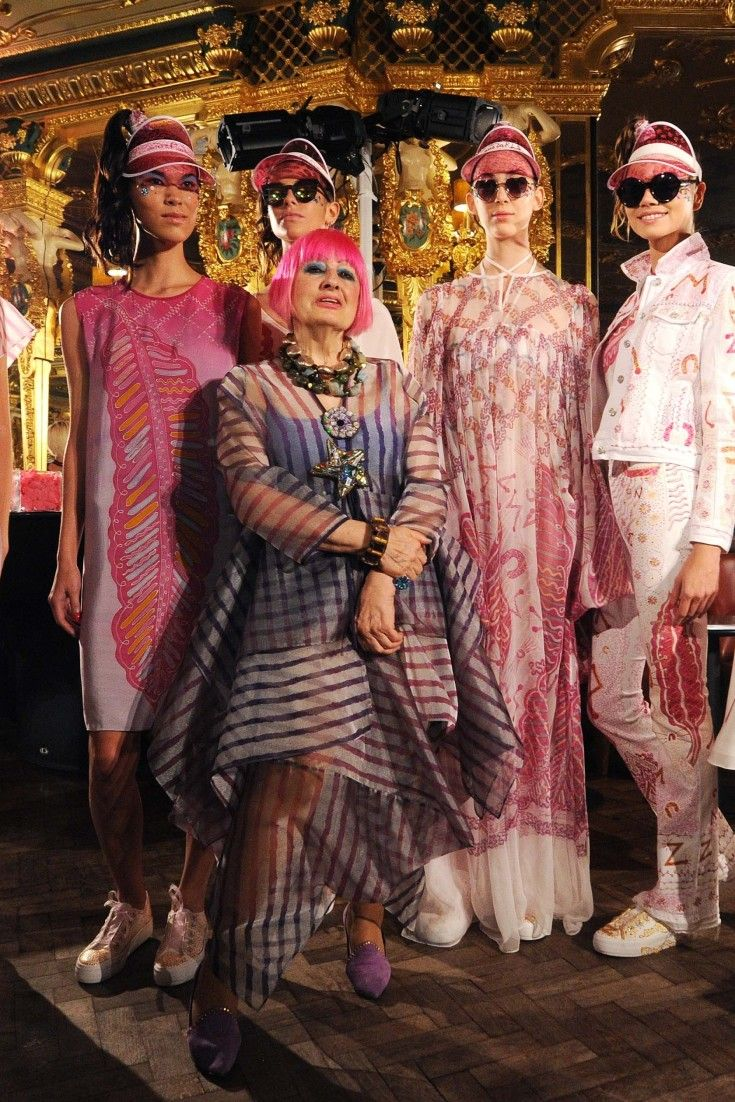 London Fashion Week 2015: Zandra Rhodes Opens With Pinks, Oranges And Embellished Trainers For S/S 2016