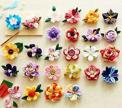 フェリシモの手づくり雑貨ブランド「Couturier(クチュリエ)」は「四季折々に咲かせるつまみ細工の花50デザイン」を出版し、1/18より全国書店でも発売が開始されました。