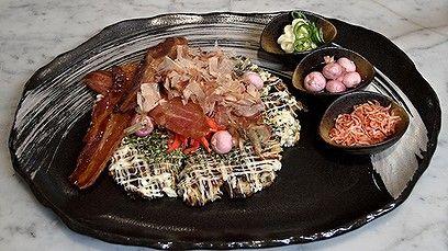 How to make okonomiyaki  - Japanese Savory Pancakes Recipe and (and Video tutorial) #savorypancakes #Japanesefood #asianflavor #Osaka  #streetfood #seafood #tofu #mushu is another way to serve. #servewithsake #cabbage #recipes #globalfoods http://www.goodfood.com.au/good-food/good-food-month/how-to-make-okonomiyaki-japanese-savoury-pancake-20141016-1172n5.html
