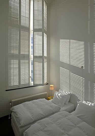 Dé Oplossing Voor Meer Privacy In Huis Debinnenhuisadviseurs Raamdecoratie Shutters Wooninspiratie