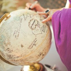 6 Unique Wedding Guest Book Alternatives...that are sure to inspire you!