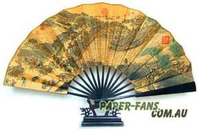 The folding fans, in ancient times called 'Jutou fan', well-known for its two endings, can be put together when drawing. During Nansong dynasty, large scale production had begun.